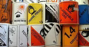 etiquettes-matieres-dangereuses.jpg